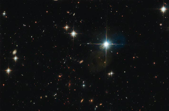 Cette image montre un ancien amas de galaxies repéré par le télescope spatial Hubble.ESA / Hubble et NASA