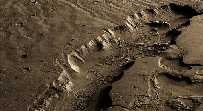 Un grand canal sculpté par l'eau sur Mars connu sous le nom de Dao Vallis