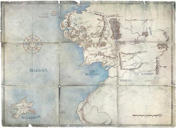 Notre seul aperçu de la nouvelle série - une carte de la Terre du Milieu.Studios Amazon