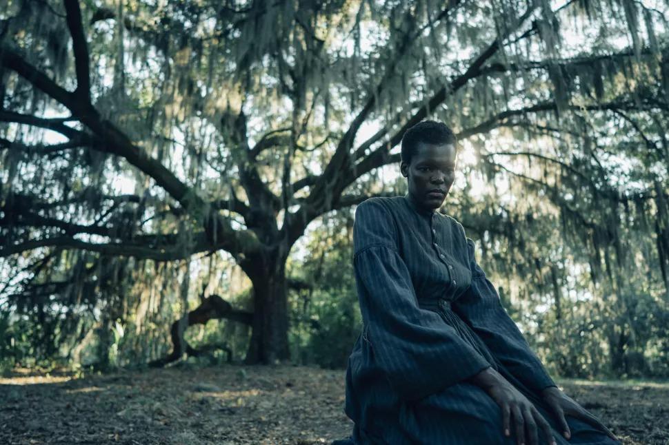 La star de «The Underground Railroad» Sheila Atim dans le rôle de Mabel.