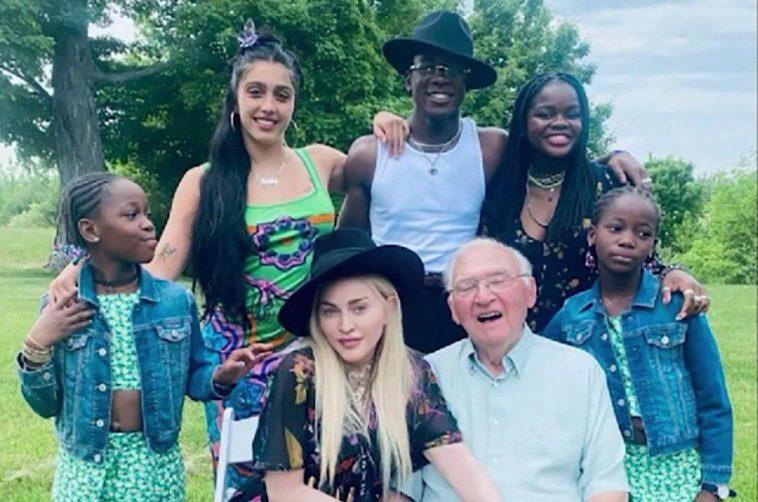 Madonna a honoré le 90e anniversaire de son père