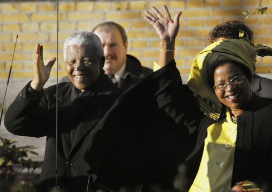 Nelson Mandela et sa troisième épouse Graca Machel