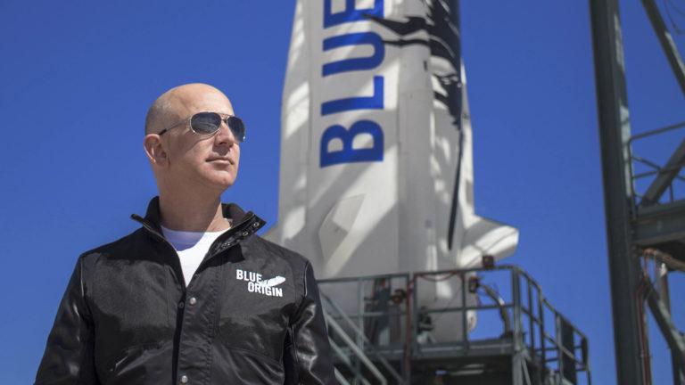 Regardez le livestream du lancement spatial de Blue Origin pour ne pas manquer de voir Jeff Bezos aller dans l'espace.