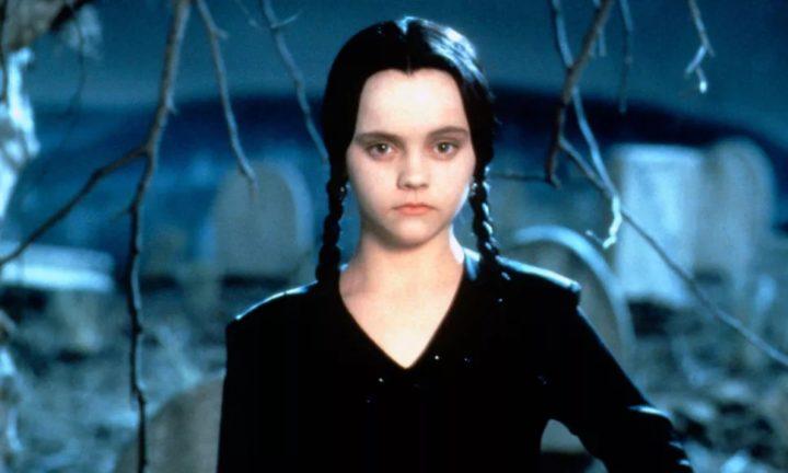 Christina Ricci dans le rôle de Wednesday dans le film La famille Addams.
