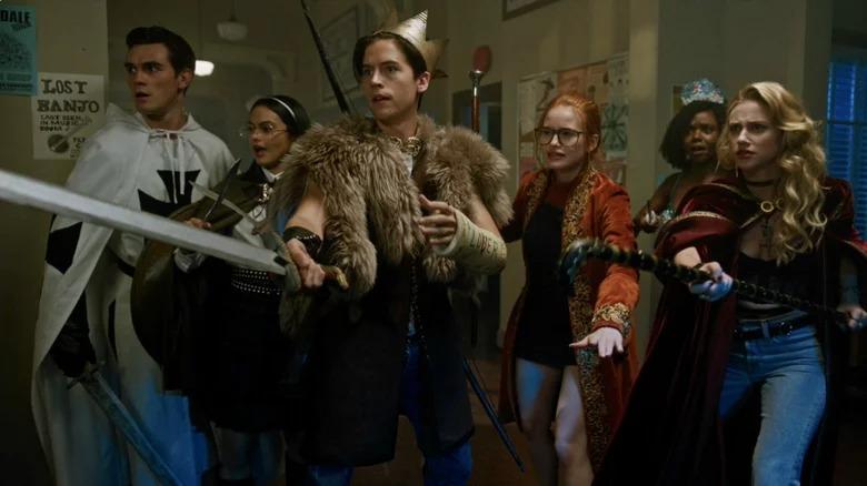 Les acteurs de Riverdale en costumes